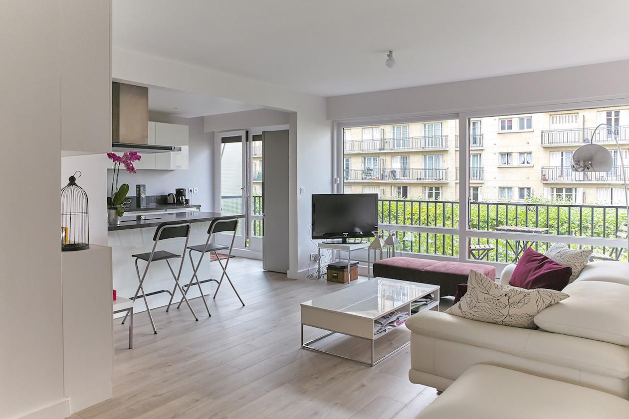 Charenton - Living Room (2)